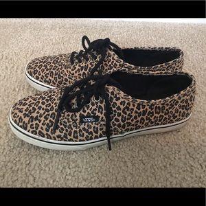 Vans leopard authentic lo pros